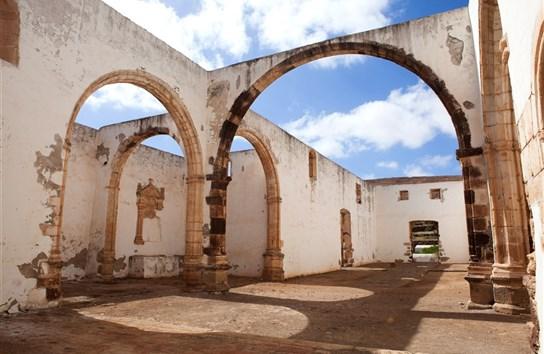 Zřícenina bývalého františkánského kláštera Convento de San Buenaventura v Betancuria, Fuerteventura, Kanárské ostrovy, Španělsko.